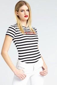 T-shirt Guess z krótkim rękawem z bawełny w stylu casual