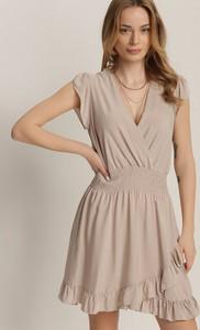 Sukienka Renee mini z dekoltem w kształcie litery v bez rękawów