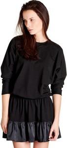 Czarna sukienka Blackbow mini z długim rękawem z okrągłym dekoltem