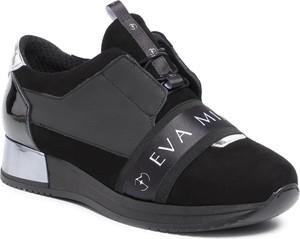 Czarne buty sportowe Eva Minge z płaską podeszwą