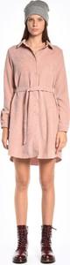 Różowa sukienka Gate koszulowa mini
