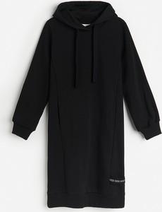 Czarna bluza Reserved długa z dzianiny