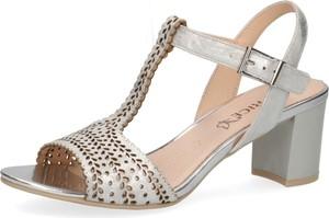 Sandały Caprice w stylu klasycznym na średnim obcasie