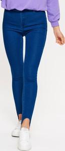 Niebieskie jeansy Cropp z jeansu w street stylu