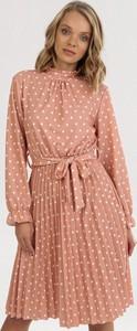 Pomarańczowa sukienka born2be mini z długim rękawem