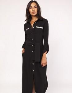 Czarna sukienka Lanti w militarnym stylu z długim rękawem