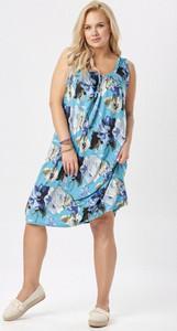 Sukienka born2be prosta w stylu casual bez rękawów
