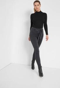 Czarne jeansy ORSAY z jeansu w street stylu