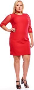 Czerwona sukienka Fokus z tkaniny z okrągłym dekoltem