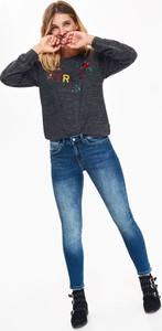Niebieskie jeansy Top Secret z jeansu w street stylu
