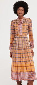 Sukienka Reserved w stylu casual z długim rękawem z okrągłym dekoltem