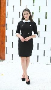 Czarna sukienka Justmelove mini z bawełny z okrągłym dekoltem