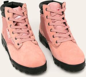 Różowe buty sportowe Fila sznurowane