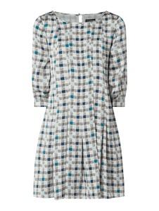Sukienka Emporio Armani z długim rękawem z satyny w stylu casual