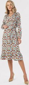 Sukienka born2be trapezowa z długim rękawem