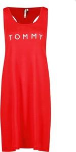 Sukienka Tommy Hilfiger z okrągłym dekoltem bez rękawów midi