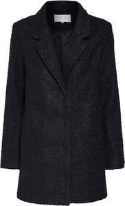 Czarny płaszcz Vila