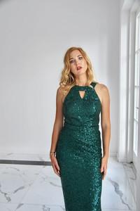 Zielona sukienka Rokado bez rękawów dopasowana