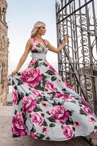 Sukienka Ivet.pl z dekoltem w kształcie litery v rozkloszowana bez rękawów