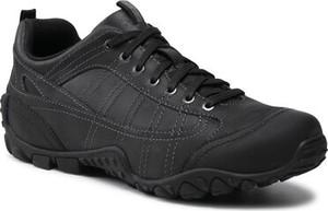 Czarne buty trekkingowe Lasocki sznurowane