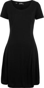 c496d2e2b6 Sukienka bonprix bpc bonprix collection z okrągłym dekoltem z krótkim  rękawem