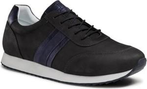 Granatowe buty sportowe Lasocki z płaską podeszwą ze skóry