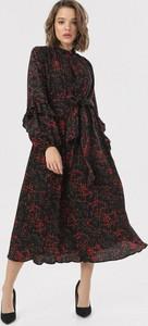 Czarna sukienka born2be midi