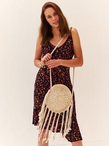 Sukienka Top Secret w stylu casual z dekoltem w kształcie litery v asymetryczna