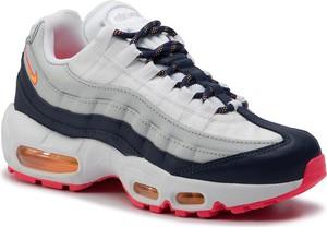 Sneakersy Nike sznurowane w sportowym stylu