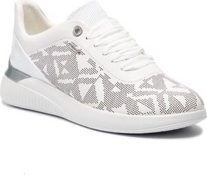 Buty sportowe Geox ze skóry ekologicznej na koturnie w geometryczne wzory