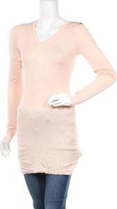 Różowy sweter Laetitia Mem