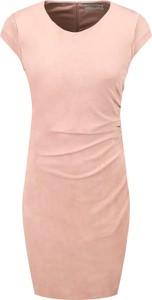 Sukienka Guess ołówkowa w stylu casual z okrągłym dekoltem