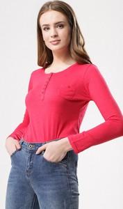 Różowa bluzka born2be w stylu casual z okrągłym dekoltem