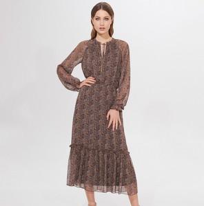 Sukienka Mohito z żabotem z długim rękawem maxi