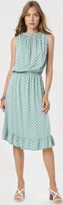 Zielona sukienka born2be bez rękawów midi w stylu casual