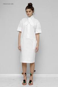 Sukienka Freeshion z krótkim rękawem z okrągłym dekoltem oversize