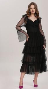 Czarna sukienka Renee z długim rękawem z tiulu