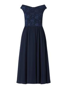 Sukienka Swing z dekoltem w kształcie litery v z krótkim rękawem z szyfonu