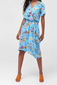Niebieska sukienka Trendyol w stylu casual midi