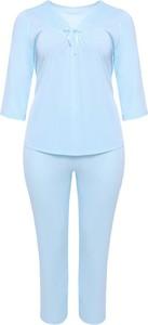 Niebieska piżama modneduzerozmiary.pl w stylu klasycznym