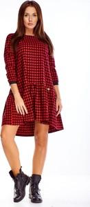 Czerwona sukienka omnido.pl z długim rękawem mini dla puszystych