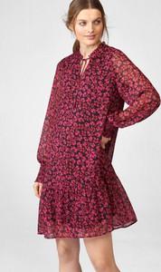 Czerwona sukienka ORSAY w stylu casual z dekoltem w kształcie litery v