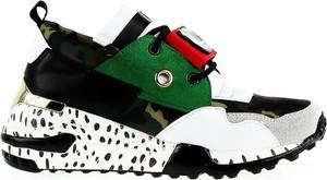 Sneakersy Vices w młodzieżowym stylu