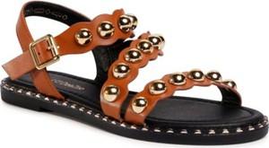 Brązowe sandały DeeZee