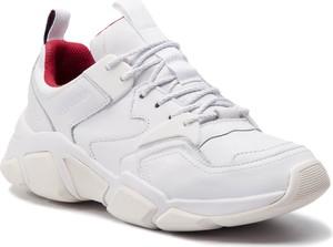 d1738d03c3a27 Buty sportowe Tommy Hilfiger sznurowane w sportowym stylu ze skóry  ekologicznej