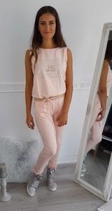 Różowy kombinezon made2wear z długimi nogawkami