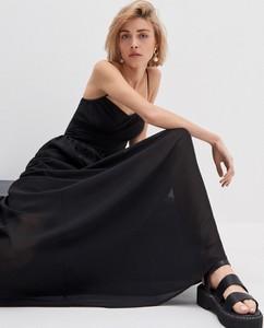 Czarna sukienka House w stylu casual maxi na ramiączkach