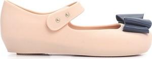 Różowe balerinki born2be