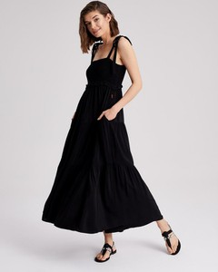 Czarna sukienka Diverse maxi