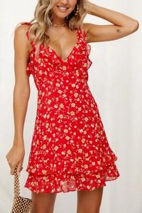 Czerwona sukienka IVET z dekoltem w kształcie litery v mini